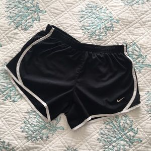 Nike Tempo Dry-Fit shorts - GIRL'S L - Women's S